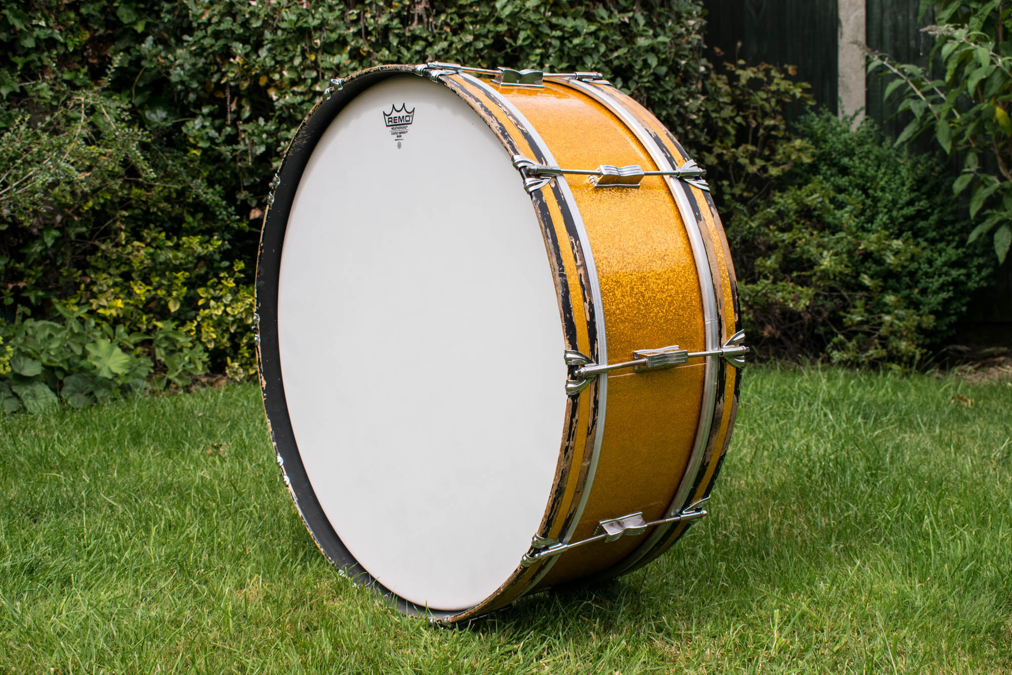 vintage 1959 ludwig 39 scotch 39 26x8 marching bass drum in gold sparkle more drums. Black Bedroom Furniture Sets. Home Design Ideas